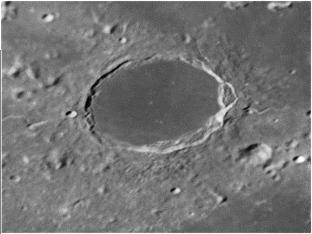 Moon20090406pla