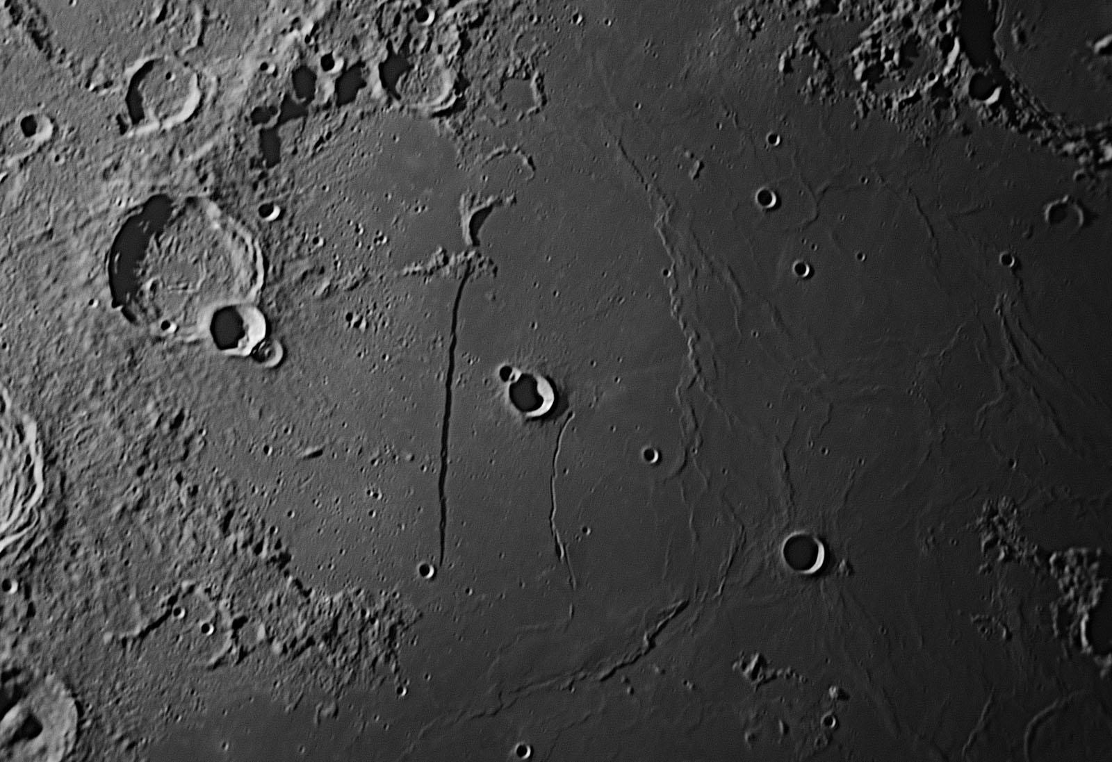 Moon20161208sw1w1600