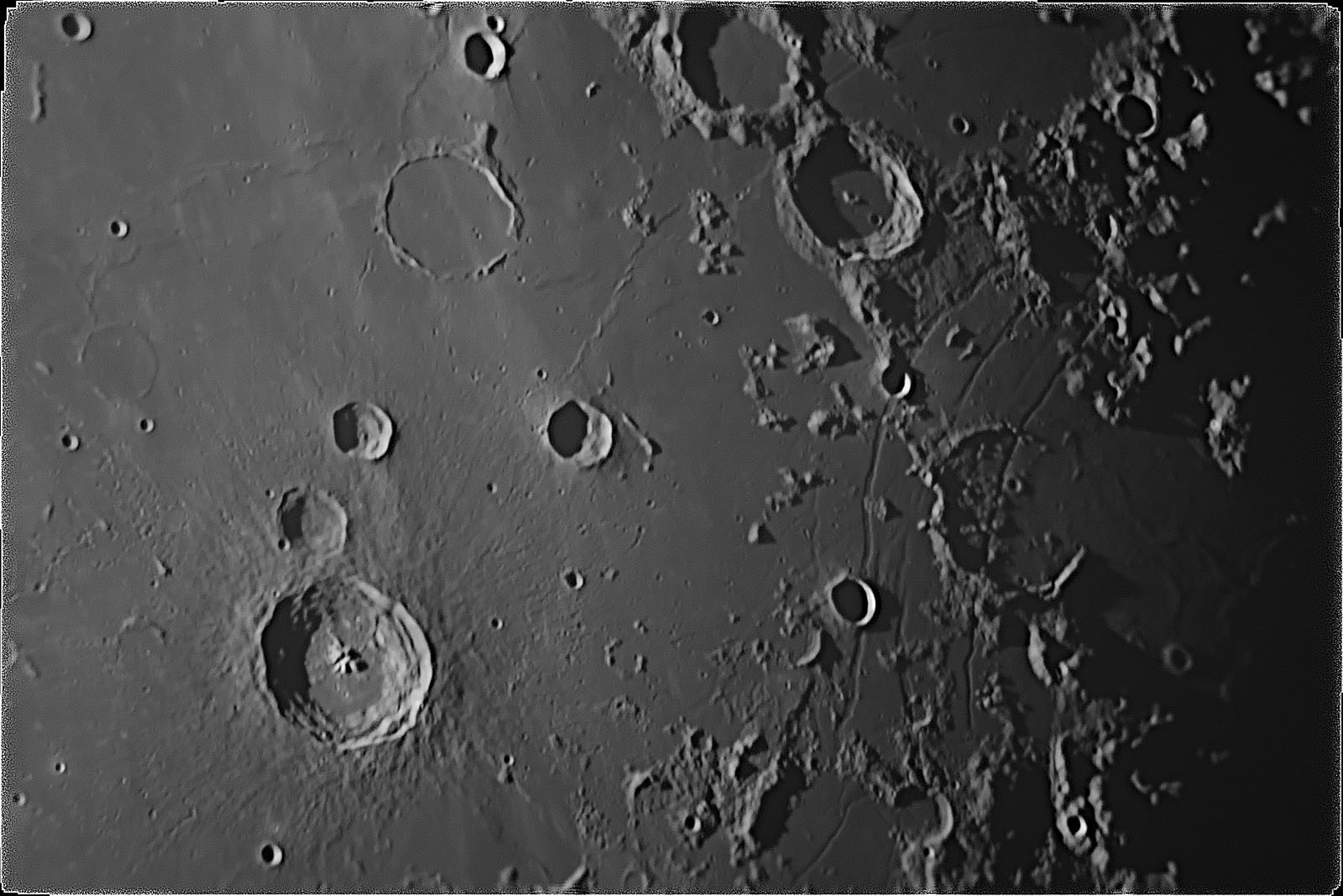 Moon_092520_zwo_asi178mm_r_2_2017_1