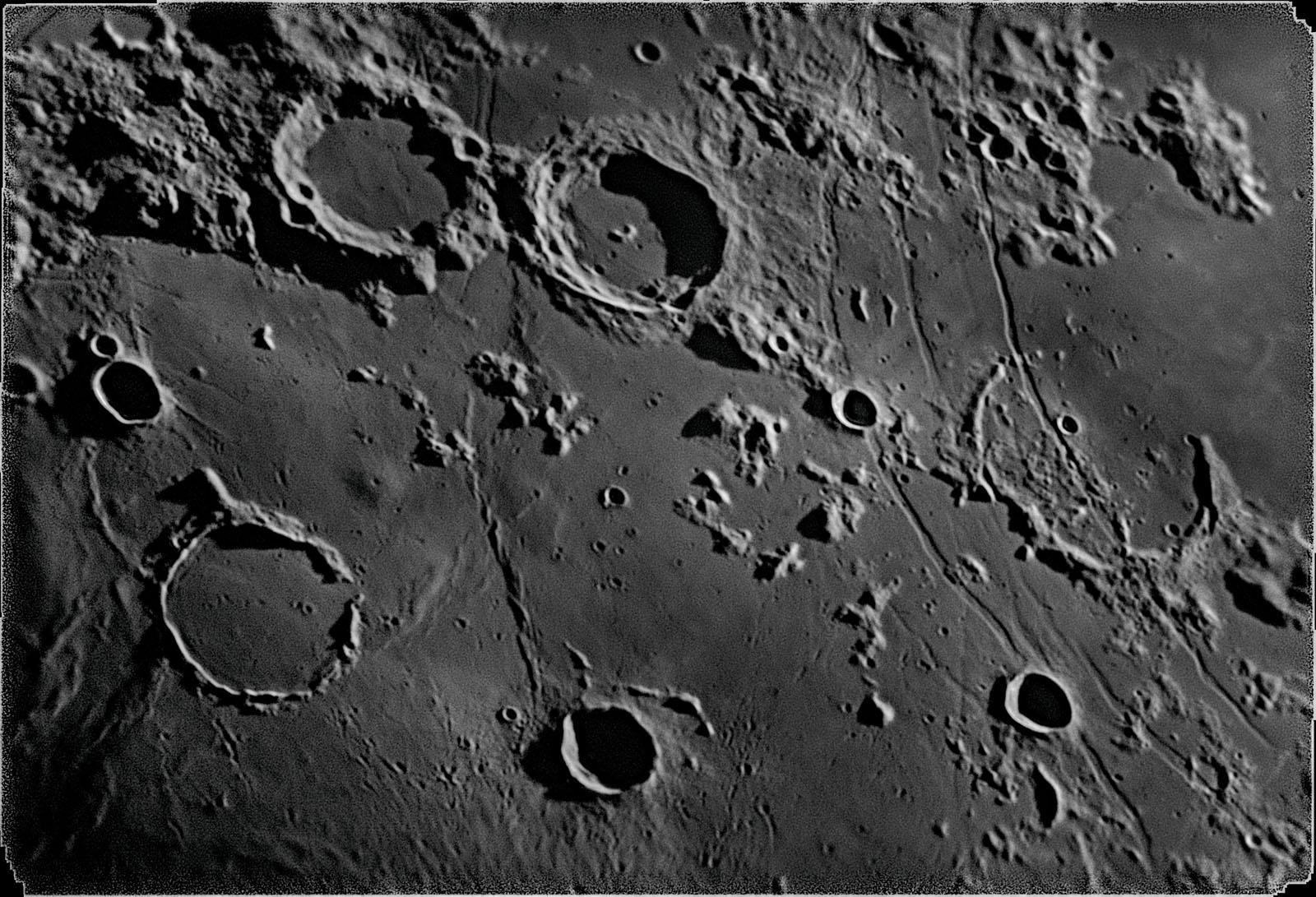 Moon_202609_r_2017_11_12_zwo_asi1_2